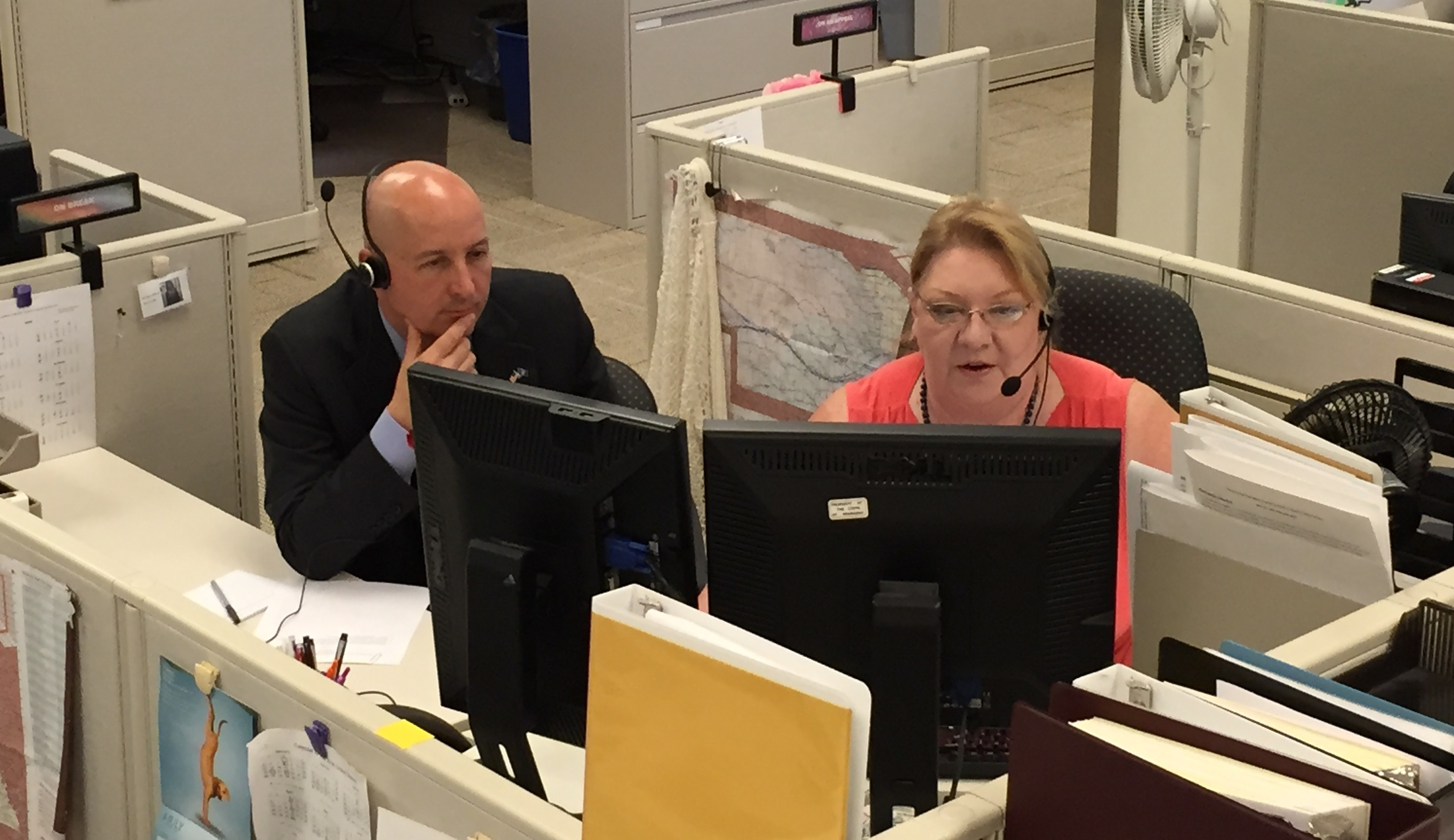 Governor Ricketts Visits DOL Call Center